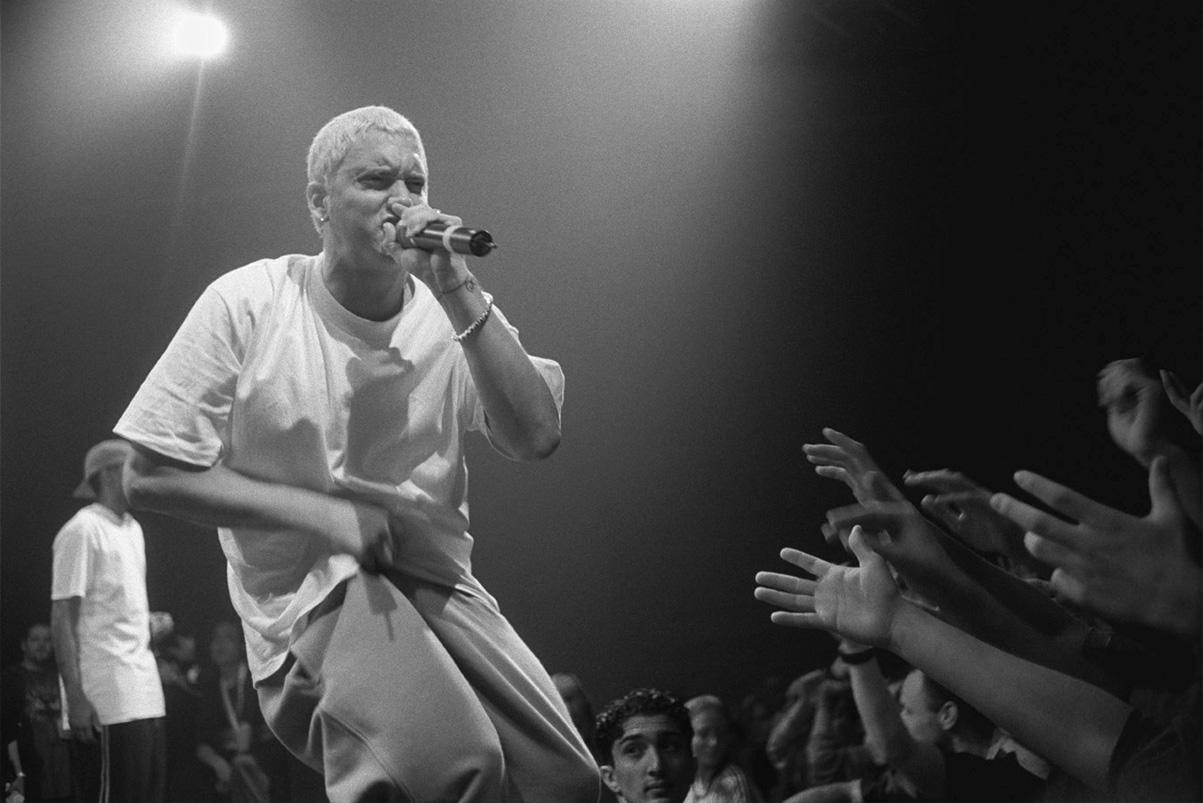 An Early '00s Eminem Imposter Disses Drake