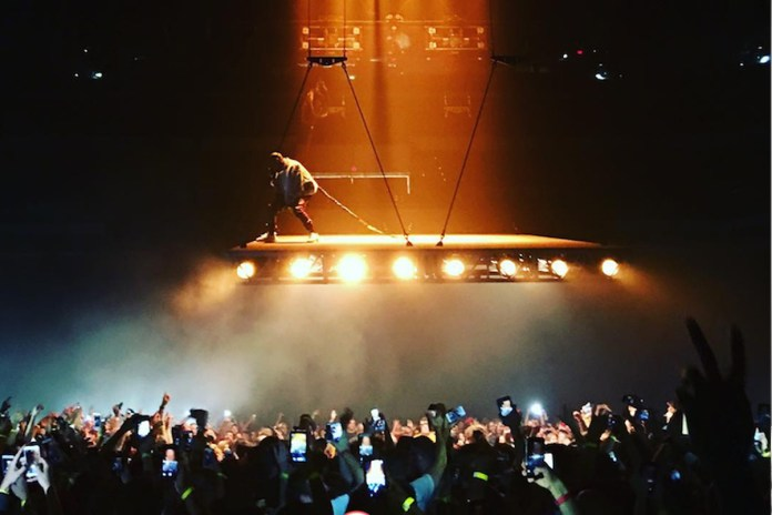 Kanye West's 'Saint Pablo' Tour Features a Floating Stage