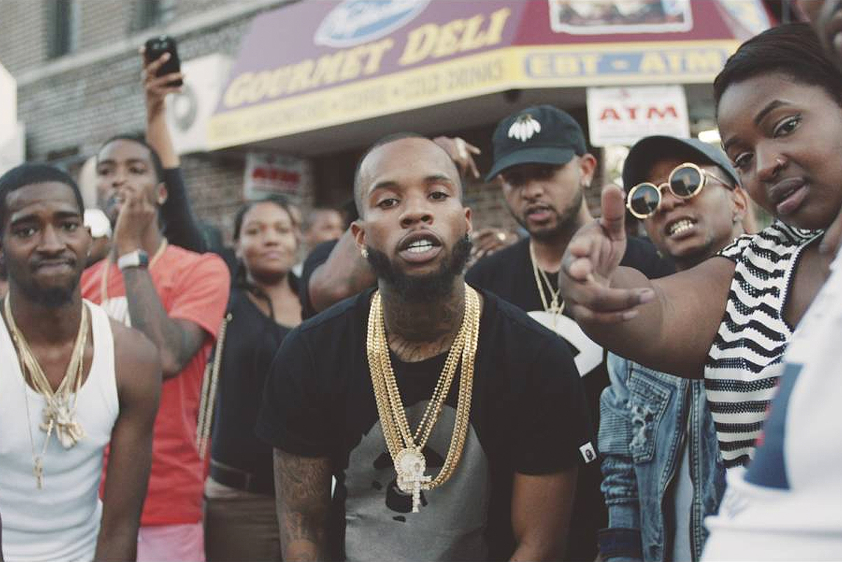 """Watch Tory Lanez Turn up in New York For """"Other Side"""" Video"""