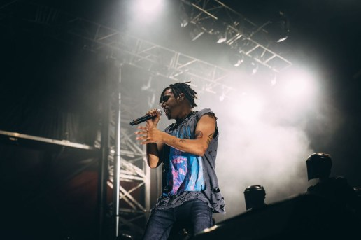 Vic Mensa Signs With Scooter Braun