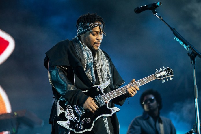 D'Angelo, The Roots & John Mayer Perform Together in NYC
