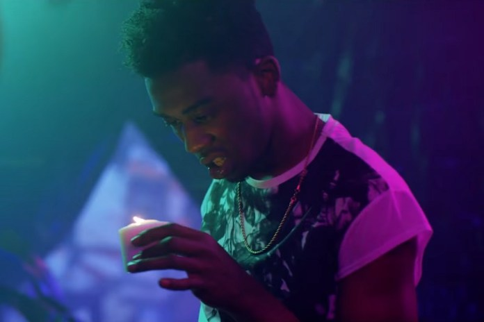 "Desiigner Reveals How He Met Kanye West & Performs ""Zombie Walk"""
