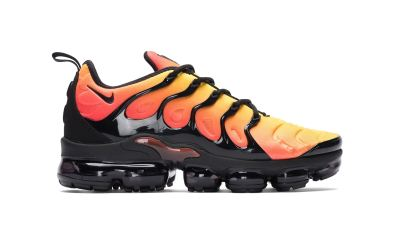 Nike Air Vapormax Plus 'Total Orange' [SneakPeak] nike air vapormax plus total orange 1