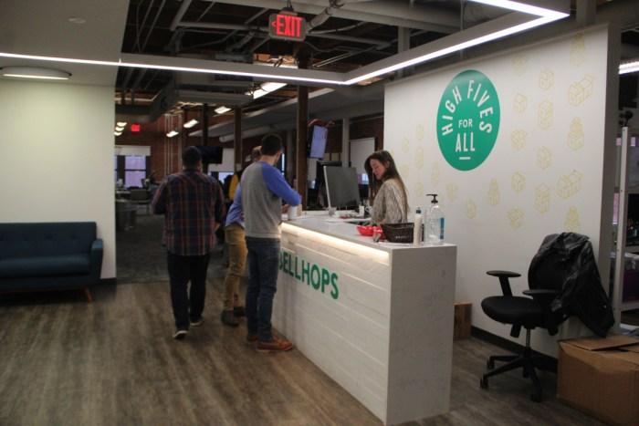 Bellhops Front Desk