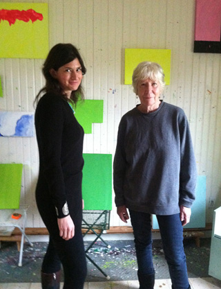 Jennifer Samet and Mary Heilmann at Heilmann's studio (click to enlarge) (image courtesy the author)