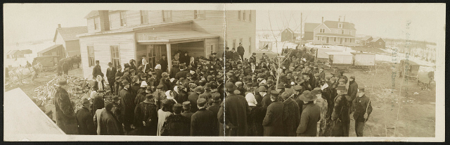 Daily increasing crowds at John Till's, Almena, Wis. Creator(s): Denison, H. H., copyright claimant Date Created/Published: c1909 Medium: 1 photographic print (postcard) Summary: Postcard shows a crowd gathered at the home of alternative healer John Till in Almena, Wisconsin.