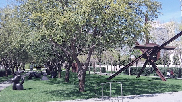 "View into Nasher Garden in Dallas, site of a ""destroyed"" James Turrell sculpture (all photographs by the author for Hyperallergic)"