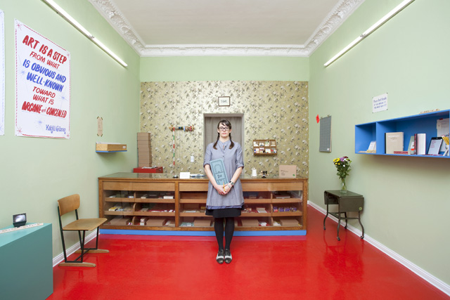 Christine Hill in the Volksboutique Small Business (Photo © Felix Oberhage)