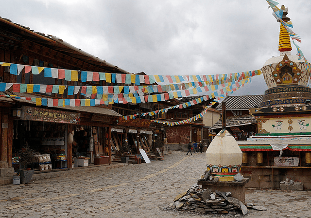 One of the beautiful square in Dukezong's old Tibetan town before the fire. (Matt Wakeman's Flickstream)