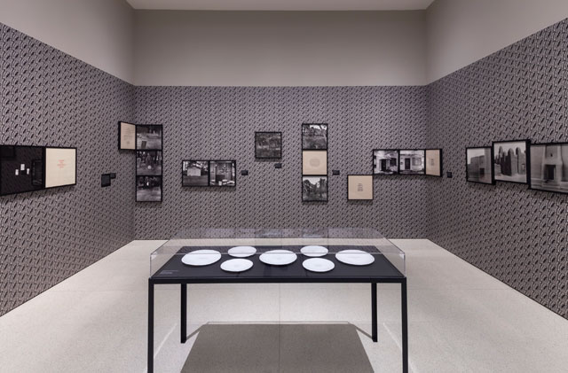 "Installation view, ""Carrie Mae Weems: Three Decades of Photography and Video,"" Guggenheim Museum, New York, January 24–May 14, 2014 (photo by David Heald) (© Solomon R. Guggenheim Foundation)"