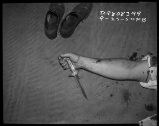 "P.B. (LAPD), ""Shoes, arm and knife, 23 September 1950″ (image courtesy Fototeka) (click to enlarge)"
