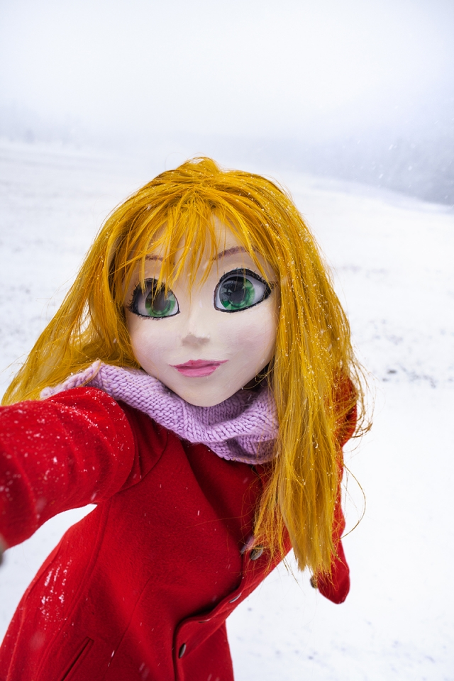 How Laurie Simmons Makes Dolls Lie