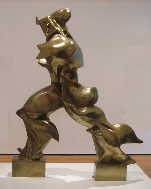 'Unique_Forms_of_Continuity_in_Space',_1913_bronze_by_Umberto_Boccioni