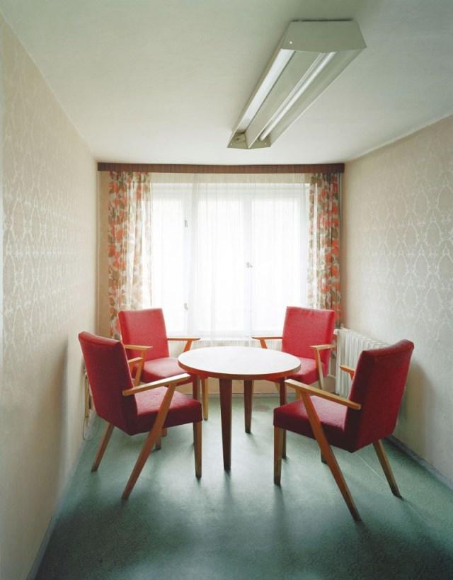 Sonderhaftanstalt Bautzen, Besucherzimmer, 2004 | © Daniel & Geo Fuchs