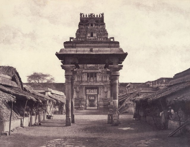 Linnaeus Tripe,Seeringham: Great Pagoda, Munduppum inside Gateway, January 1858, albumen print,The British Library, London