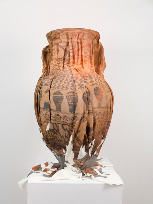clement-valla-amphora-1280