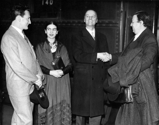 Clifford Wight, Kahlo, Valentiner, Rivera at train station