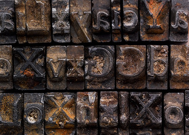 The Doves Type recovered from the River Thames (photograph by Sam Armstrong, via Typespec)