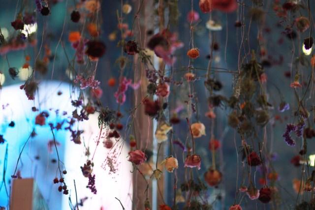 """Rebecca Louise Law, """" Flowers 2015: Outside In"""" (2015)"""