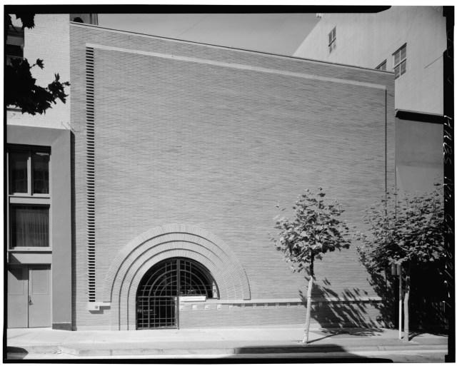 V.C. Morris Gift Shop in an archive photograph (1981) (via Historic American Buildings Survey)