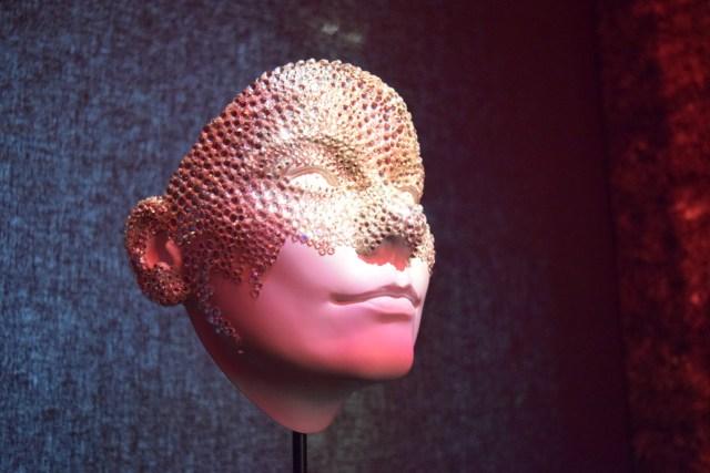 Val Gardland, Crystal Mask