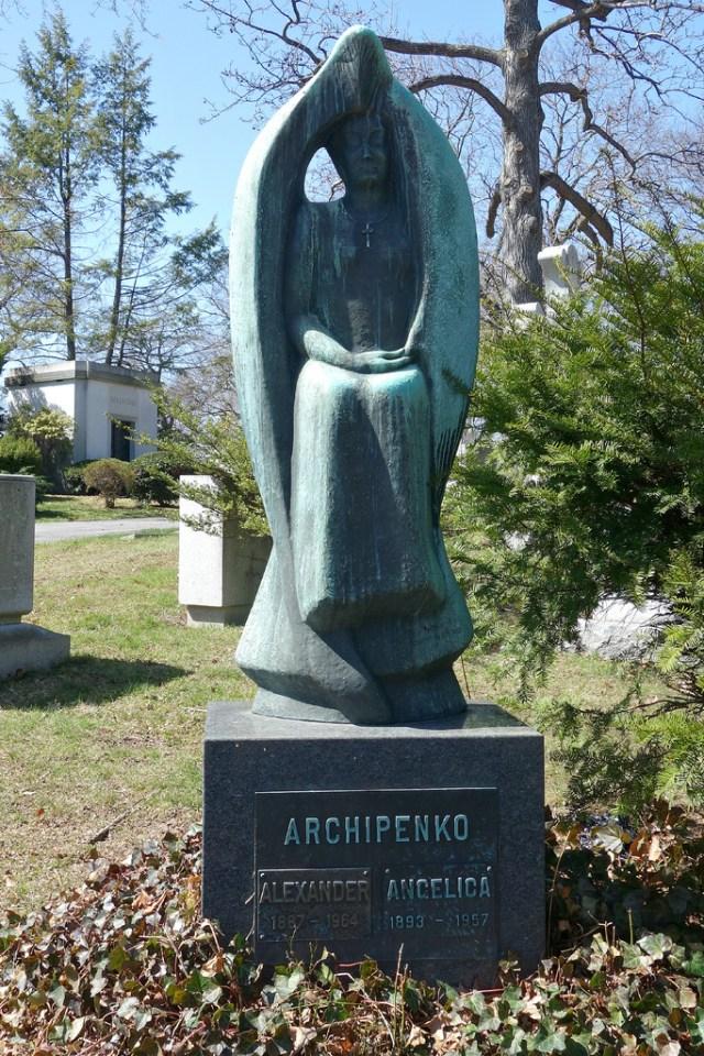 Archipenko Angel in Woodlawn Cemetery