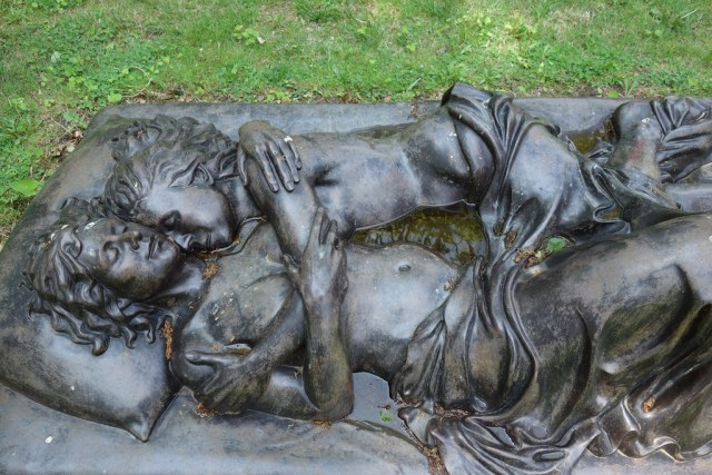 """Patricia Cronin's """"Memorial to a Marriage"""" in Woodlawn Cemetery"""