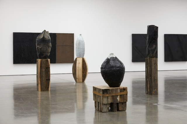Theaster Gates Tarred vessel 2015 (high res) 1