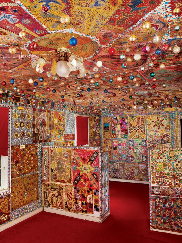 """Loy Bowlin, """"Beautiful Holy Jewel Home"""" (installation detail, living room) (1985–1990), John Michael Kohler Arts Center Collection (photo from 2006, courtesy John Michael Kohler Arts Center Artist Archives)"""