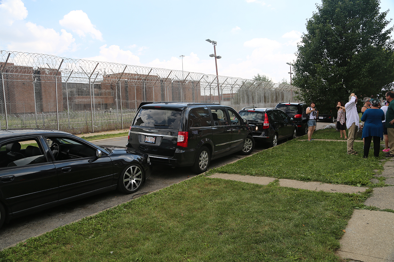 Inmates represented by black cars form approximately 70% of the Cook County Jail population. (click to enlarge)
