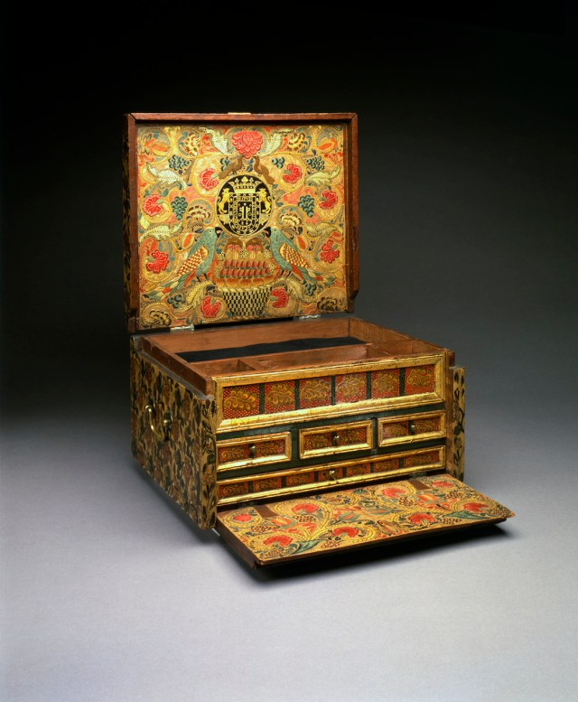 Portable writing desk (about 1684), wood, varniz de pasto, silver fittings (on loan from the Hispanic Society of America in NYC, courtesy Museum of Fine Arts, Boston)