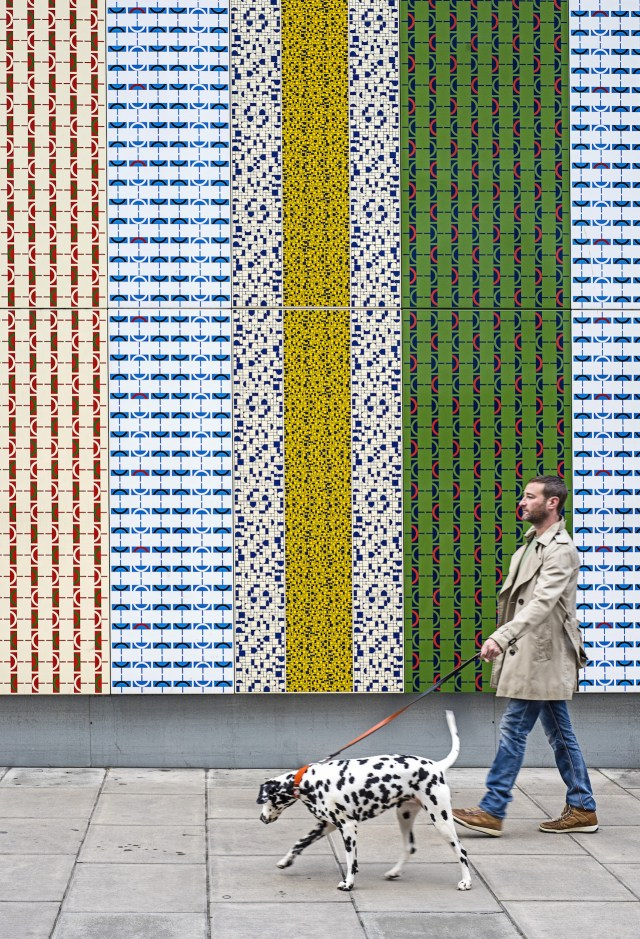 Wrapper, Jacqueline Poncelet, Edgware Road station, Commissioned by Art on the Underground, 2012. Photo: Thierry Bal