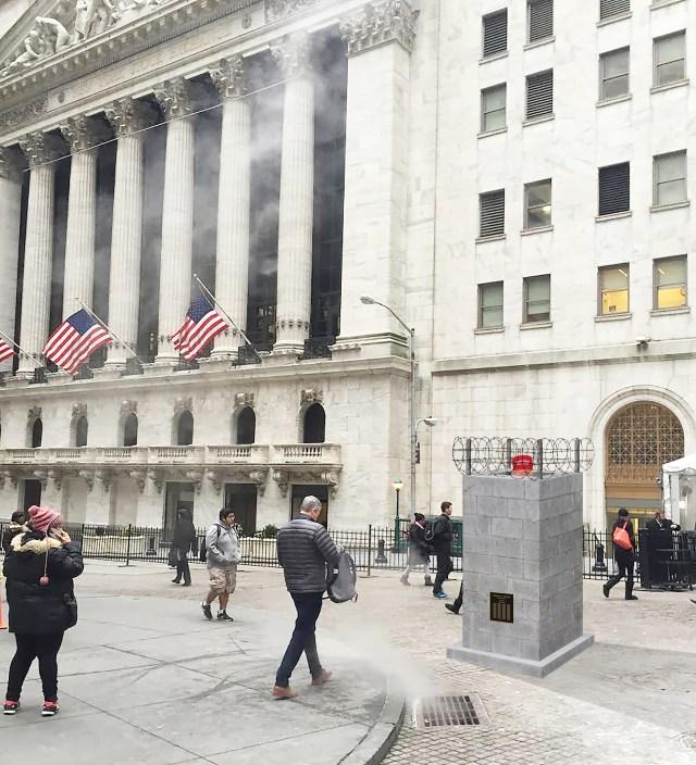 trump_monument_wall_street