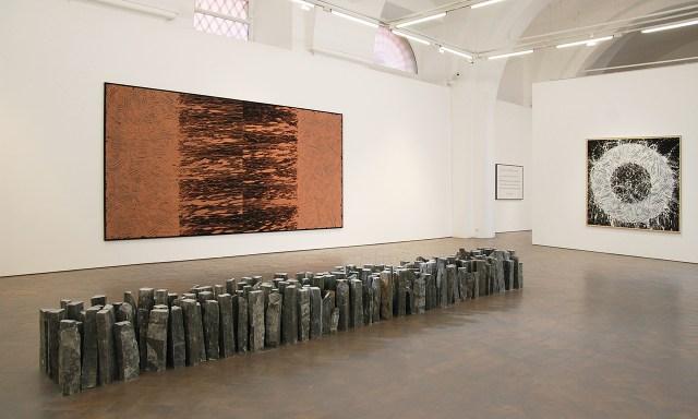 Installation view, 'Richard Long: River Avon Mud' (2016) at Galleria Lorcan O'Neill (image courtesy Galleria Lorcan O'Neill)