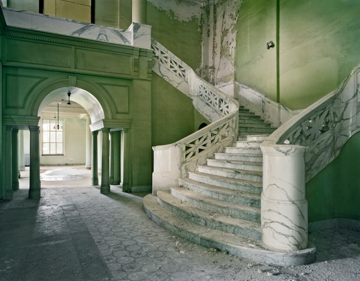 "Christopher Payne, ""Lobby of Mead Building, Yankton State Hospital, South Dakota"" (2008) (© Christopher Payne/Courtesy of Benrubi Gallery, NYC)"