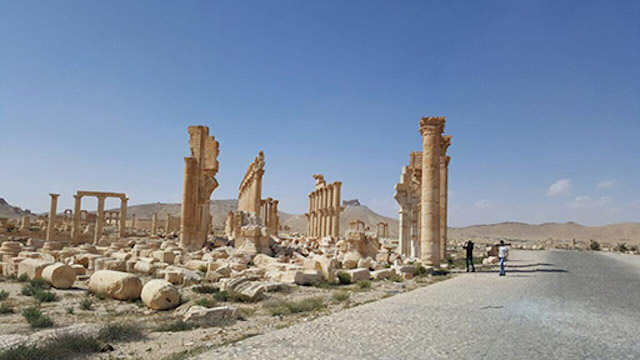 The Arch of Triump, as photographed following Palmyra's liberation (photo by Maher Mouaness, all via Directorate-General of Antiquities & Museums Syria, used under CC BY-SA 4.0 license)