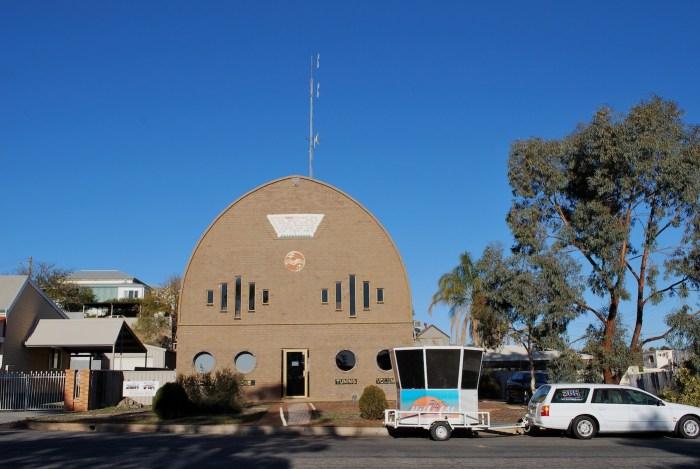 The 2BH radio building in Broken Hill, Australia (photo by Mattinbgn/Wikimedia)