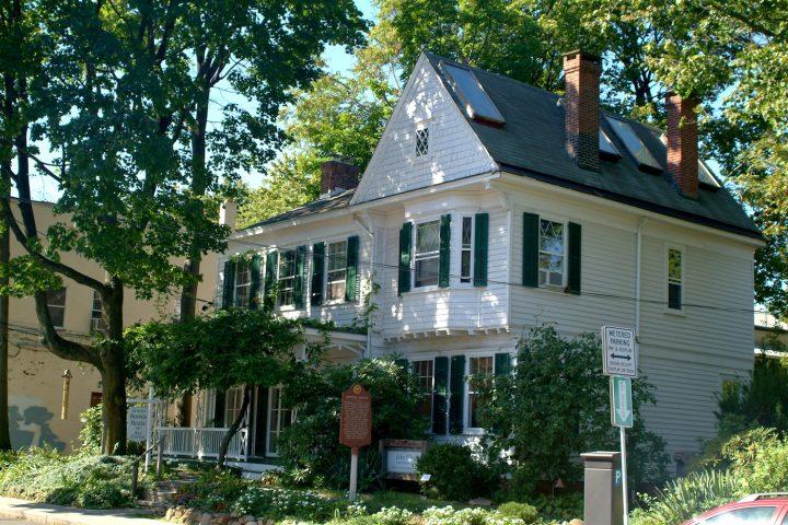 Edward Hopper's former house (photo via Wikipedia)