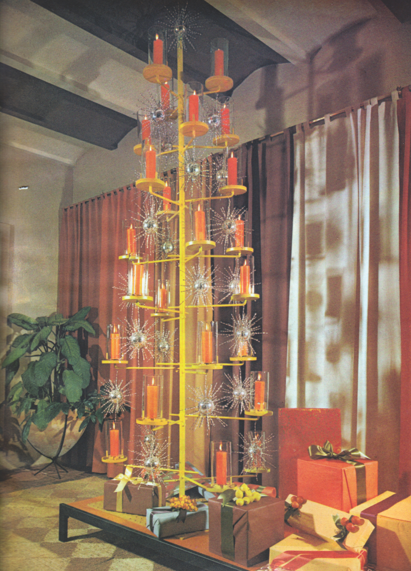Christmas At Midcentury When Aluminum Trees Replaced