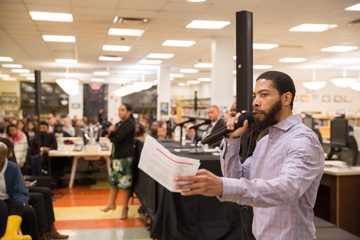 David Gaskin, S.O.S. Crown Heights program manager, facilitates the discussion for Theater of War, April 6, 2017 at Brooklyn Public Library, Crown Heights (photo by Gregg Richards)