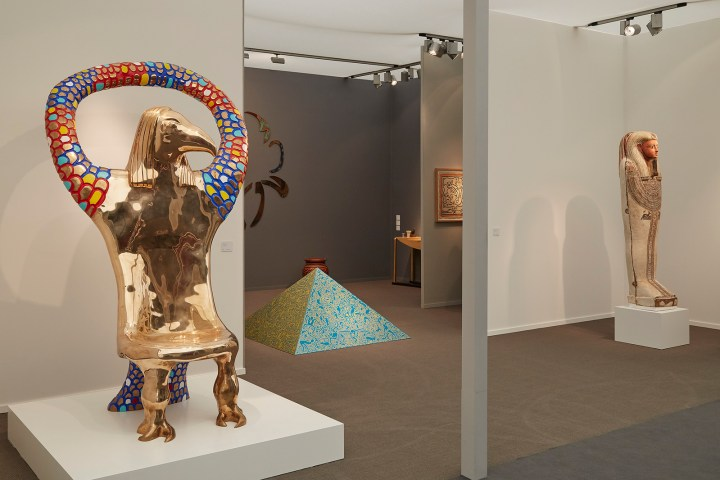 Installation view of Egyptomania in the Salon 94 and Antiquarium Ltd. booth at Frieze Masters (photo by Benjamin Westoby; courtesy of Benjamin Westoby/Frieze)