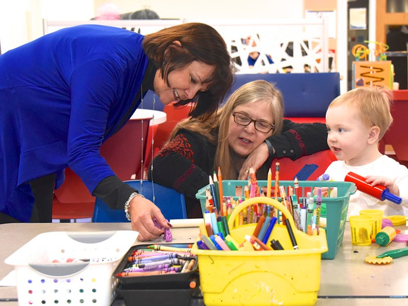 First Lady of Maryland, Yumi Hogan, and First Lady of Indiana, Karen Pence, visit Tracy's Kids art therapy at Georgetown Hospital in February 2016. (photo by Joe Andrucyk/Maryland Governor's Office, via Flickr)