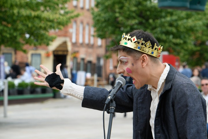 Macbeth with oily hand in the Mischief Mob (photo by Ron Fassbender)