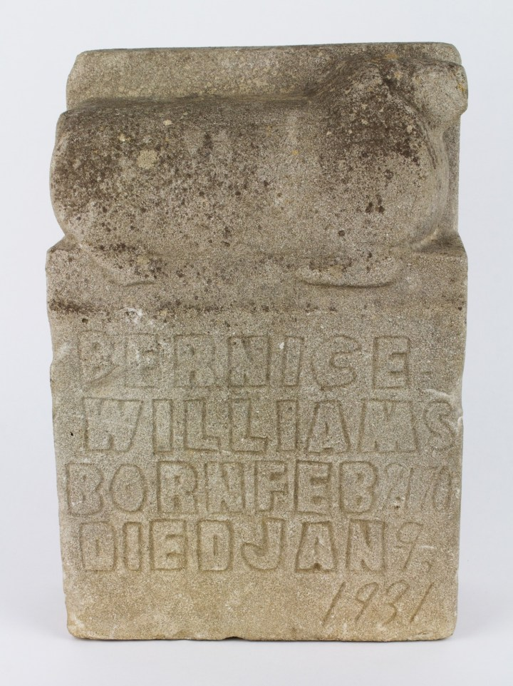 "William Edmondson, ""Williams Tombstone"" (1931), limestone (Collection of the Tennessee State Museum)"
