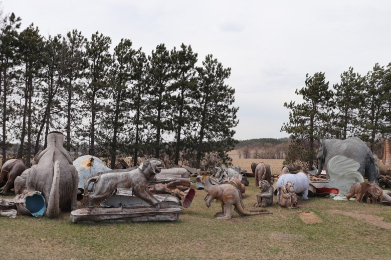 FAST Corp. boneyard, (Photo by the author for Hyperallergic)