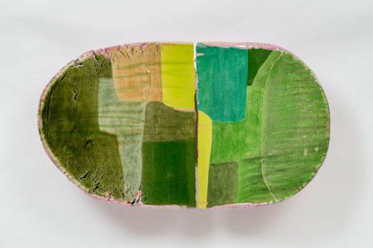 "Liz Larner, ""iv (inflexion)"" (2014–15), ceramic, epoxy, and pigment, 21.25 x 37.25 x 9 inches (© Liz Larner, Linda Pace Foundation Collection, Ruby City San Antonio)"