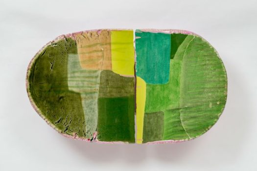 "Liz Larner, ""iv (inflexion)"" (2014–15), ceramic, epoxy, and pigment, 21.25 x 37.25 x 9 inches (© Liz Larner, Linda Pace Foundation Collection, Ruby City San Antonio)"