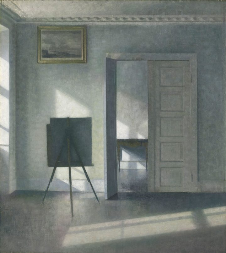 """Vilhelm Hammershøi, """"Interior with an Easel, Bredgade 25"""" (1912) (image courtesy the J. Paul Getty Museum)"""