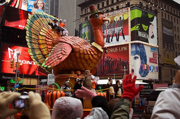 thanksgiving on track for a record 6b in us online sales says adobe hyperedge embed image