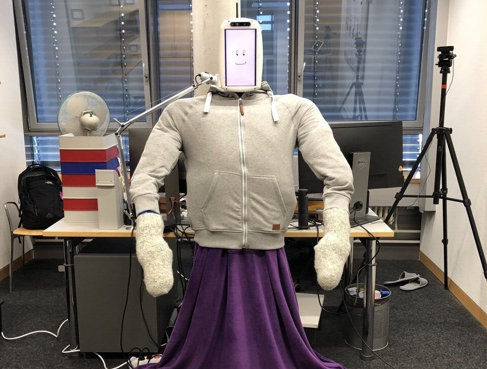 say hi to huggiebot 2 0 a robot that knows when to hug and when to let go hyperedge embed image